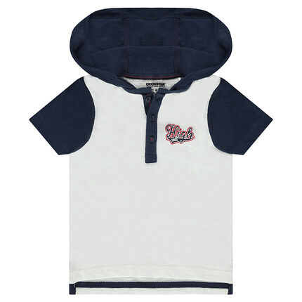 Short-sleeved hooded polo shirt with an embroidered message