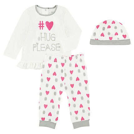 3-piece pajamas with a tee-shirt featuring a printed message, a beanie and pants featuring allover printed hearts
