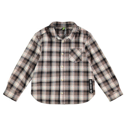 Long-sleeved checkered shirt with a trendy label