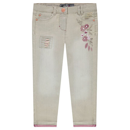 7/8 slim fit jeans in two-tone denim with embroidered flowers and worn details