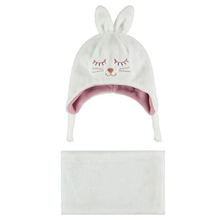 Cap with rabbit ears in relief and scarf ensemble in sherpa