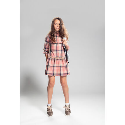 Long-sleeved dress with large checks and a removable belt
