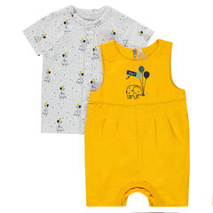 Ensemble with cotton overalls and a tee-shirt with an allover print