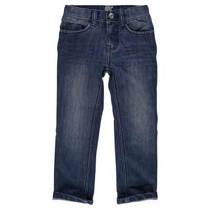 Straight cut jeans and topstitching