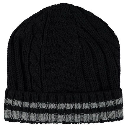 Knit cap with different stitched patterns