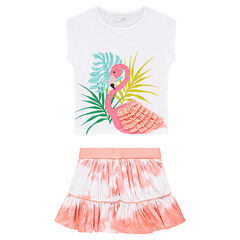 Ensemble with a tee-shirt featuring a pink flamingo and a shibori-effect skirt
