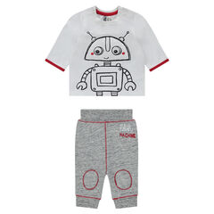 Ensemble with a tee-shirt featuring a robot print and fleece pants