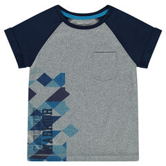 Short-sleeved tee-shirt with decorative print.