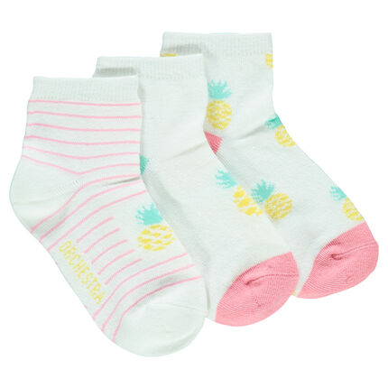 Set of 3 pairs of pineapple socks.