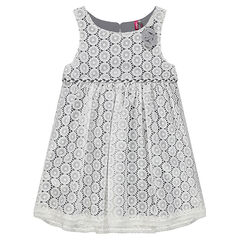 Sleeveless dress with lace motif