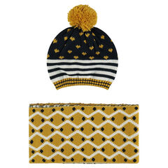 Ensemble with knit cap and scarf with print