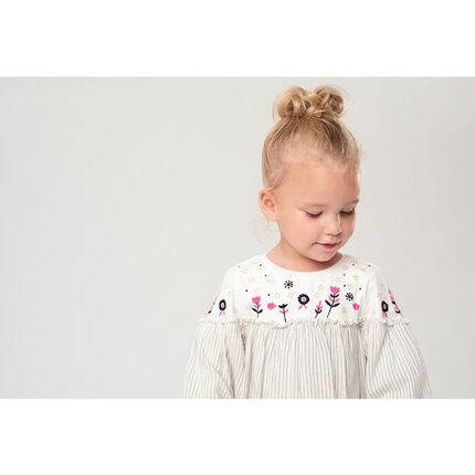 Two-fabric sweatshirt with embroidered flowers and printed unicorn