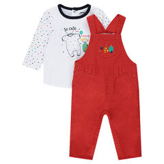 Ensemble with a printed tee-shirt and canvas overalls
