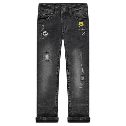 Used-effect, jersey-lined jeans with embroidered badges