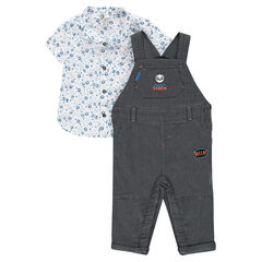 Ensemble with a short-sleeved printed shirt and woven cotton overalls