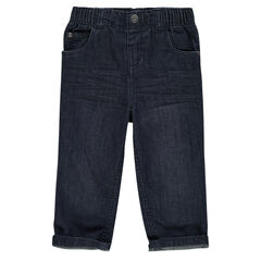 Straight leg distressed and wrinkled style jeans.
